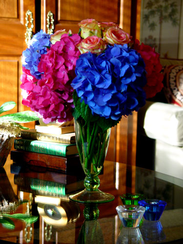 Specialty hydrangeas and ambiance roses for a dinner party