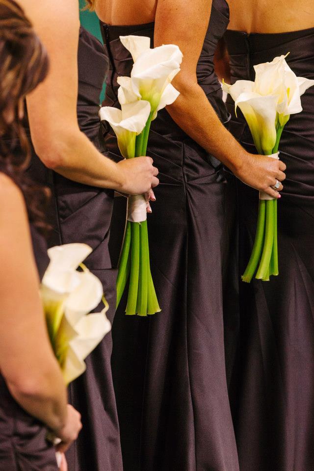 bridesmaids bouquet calla lilies